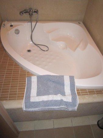 Aktia Lounge Hotel & Spa : Salle de bain