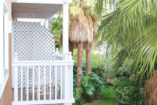 The Portofino Hotel & Marina, A Noble House Hotel : balcony overlooking marina