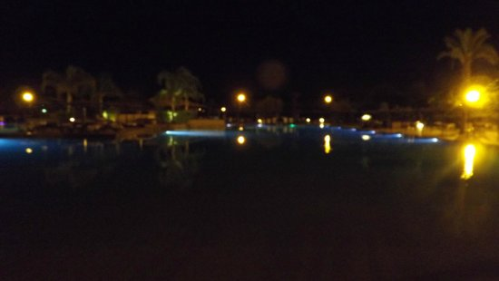 ClubHotel Riu Tikida Palmeraie: Pool at night