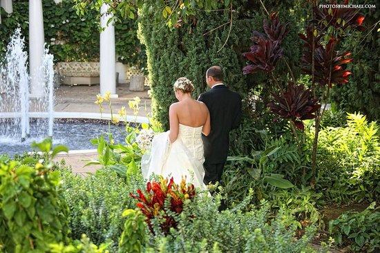 Fairmont Kea Lani, Maui: Wedding Walk through Grounds