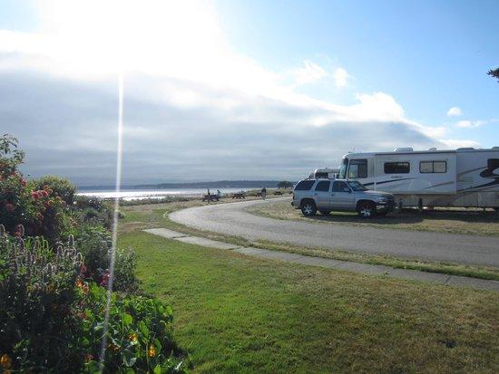 The Commander's Beach House: Side of Inn