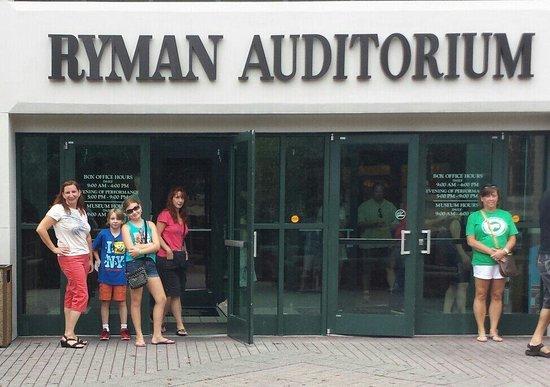 Ryman Auditorium: Outside the Ryman