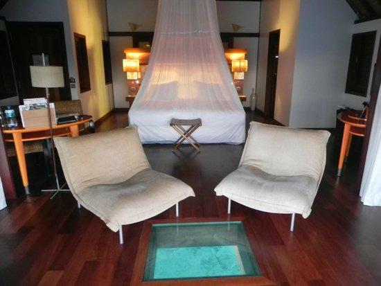 Sofitel Moorea Ia Ora Beach Resort : Inside view of the room