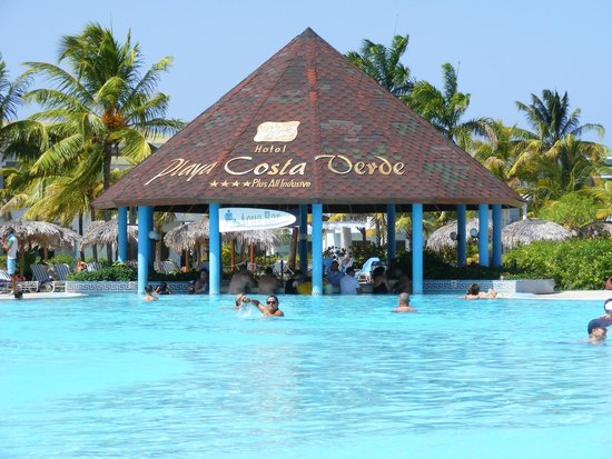 Hotel Playa Costa Verde: my 5 year old's fav place