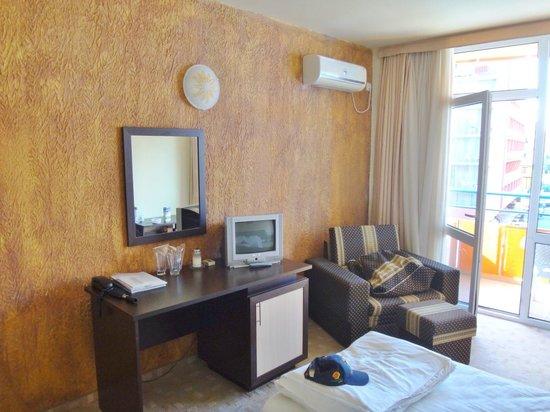 Amaris Hotel: Dejligt lyst værelse