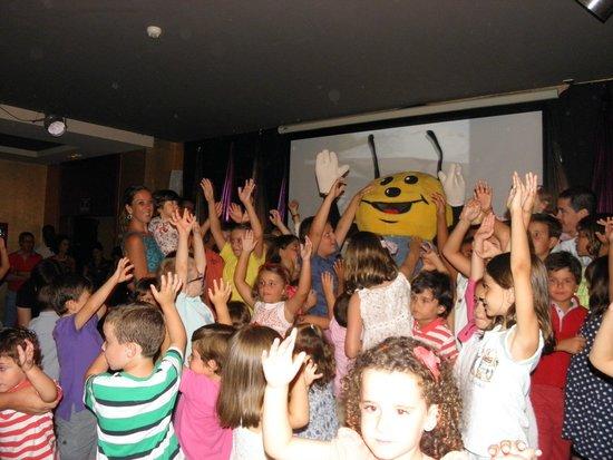 Elba Costa Ballena Beach Hotel: Pepe, Atilio y Cía: un equipo para el éxito en el entretenemiento infantil