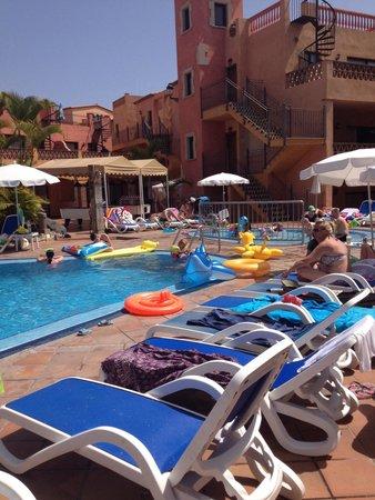 Villa Mandi Golf Resort : Basen i brodzik dla dzieci