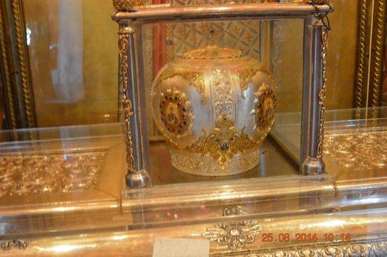 Church of Agios Dimitrios : La corona di santo Demetrios