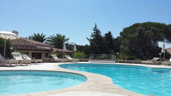 Nibaru : La piscina