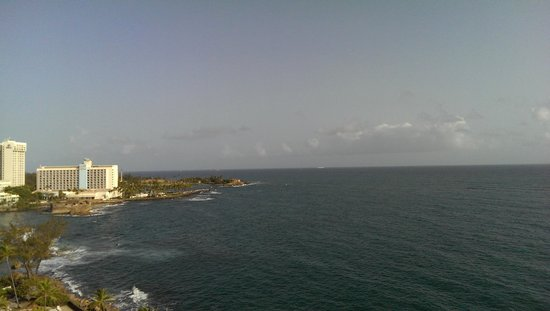 The Condado Plaza Hilton: View from the Ocean-side room