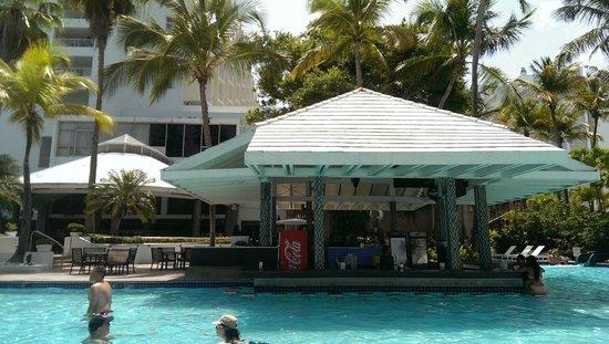 The Condado Plaza Hilton: Ocean Side Pool With Walk Up bar
