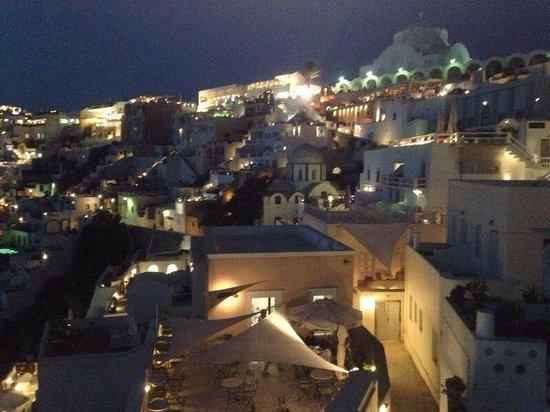 Archontiko Santorini: Santorini bei Nacht von der Terasse aus