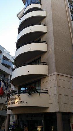 Best Western Hotel Du Pont Wilson : fachada