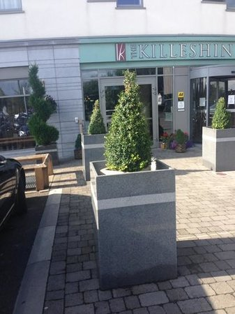 The Killeshin Hotel: Hotel Entrance
