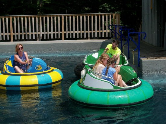 Clark's Trading Post and the White Mt. Central RR: Bumper Boats