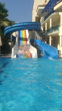 Montebello Resort : water slides at montebello