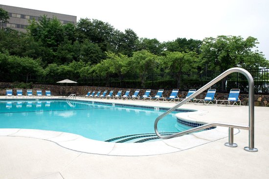 Hyatt Place Boston/Braintree: Seasonal Outdoor Pool