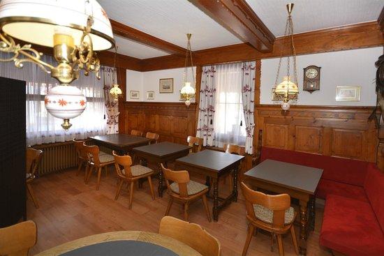 Hotel Roessli: Ground floor lounge