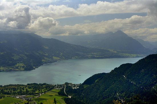 Hotel Roessli : Lake Thun from Harder Kulm