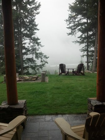 Le Beausoleil Bed and Breakfast: View from lower level