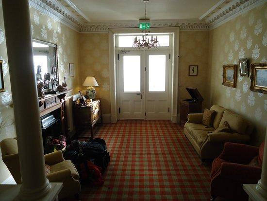 Hunters Quay Hotel: The foyer.