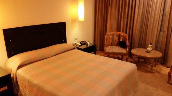 The Tarntawan Hotel Surawong Bangkok : The bed