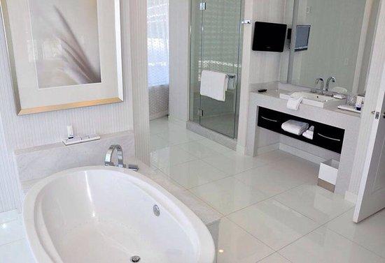 ARIA Resort & Casino: Impeccable bathroom.
