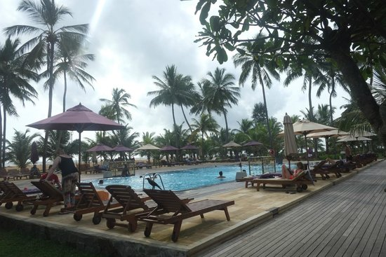 AVANI Kalutara Resort : Pool area