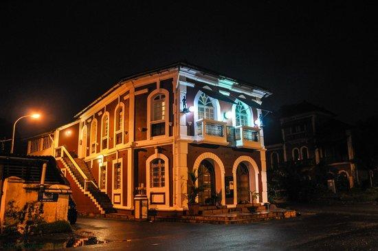WelcomHeritage Panjim Inn: resturents