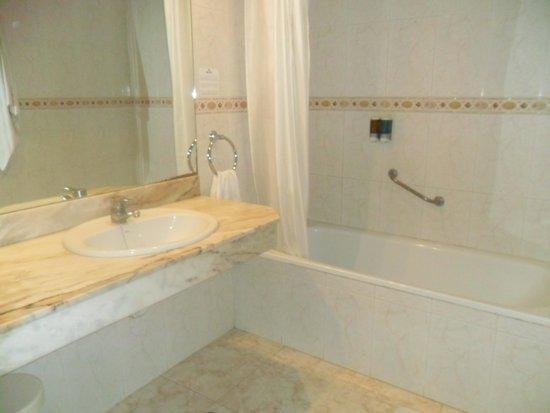 Port Mar Blau: bathroom