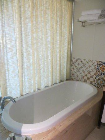 Hilton Vilamoura As Cascatas Golf Resort & Spa : Bath