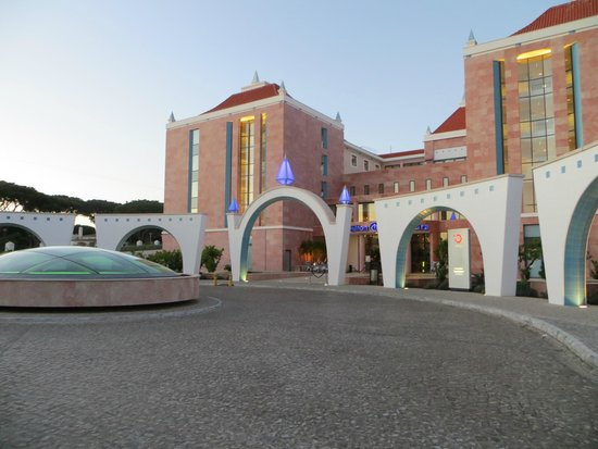 Hilton Vilamoura As Cascatas Golf Resort & Spa: Hotel front