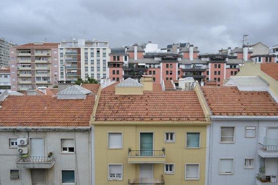 Amazonia Lisboa Hotel: Вид из номера 5-го этажа.
