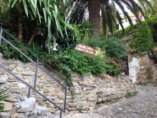 Old Bussana (Bussana Vecchia): interno