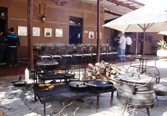 Bodega Lagarde: Preparação do almoço