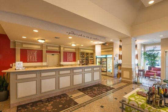 Hilton Garden Inn Flagstaff: Front Desk