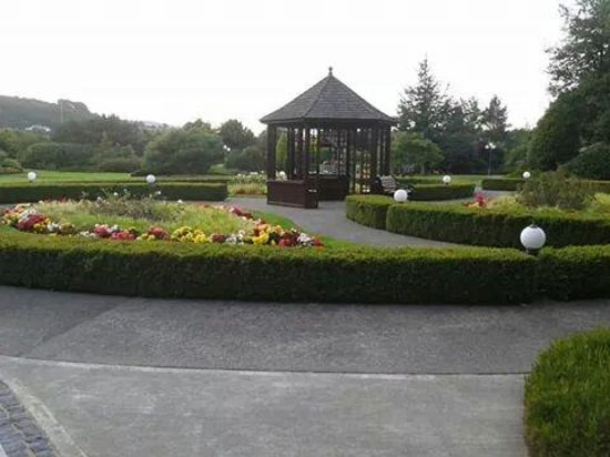 Carrickdale Hotel: Hotel grounds outside spa