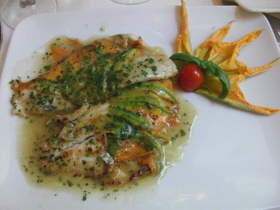 Magnífico plato de pescado de Il Coriandolo