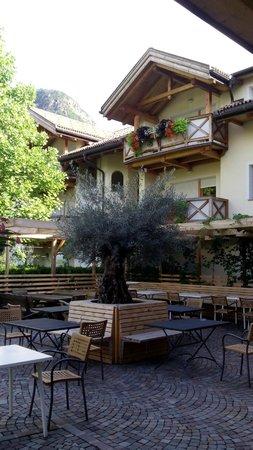 Hotel Lewald: Внутренний дворик
