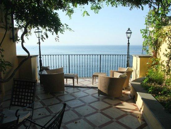 Imperial Hotel Tramontano : kleine Außenterasse