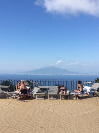 Hotel La Vue D'Or : view from the sun deck