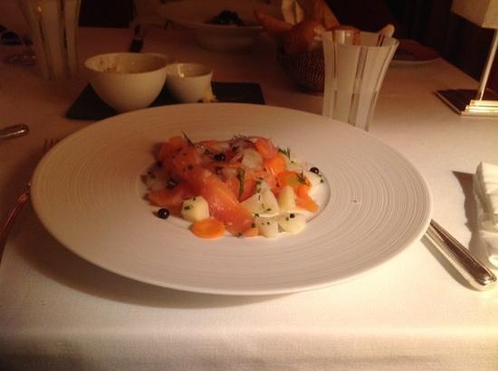 La Mamounia Marrakech: saumon marine comme un hareng du restaurant francais