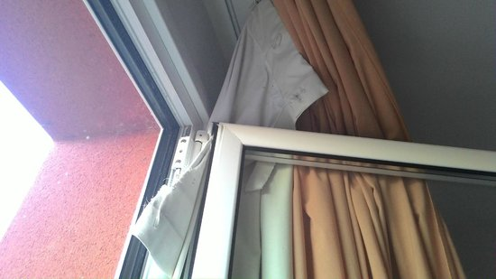 H2 Oviedo: Cortinas de la habitación