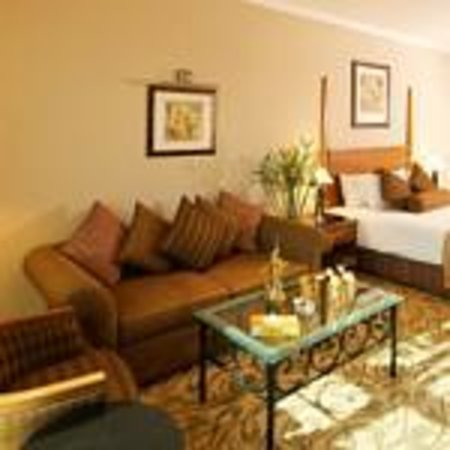 The Country Club Hotel: Execitive Room