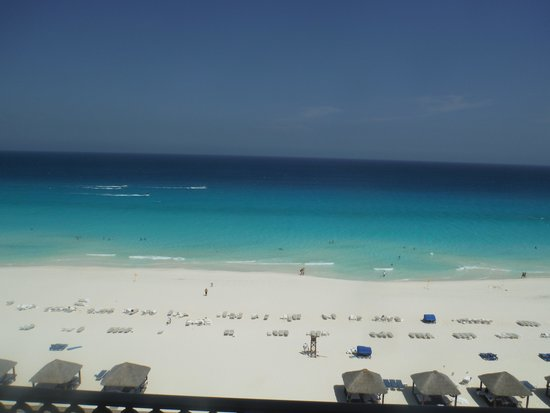 Ritz-Carlton Cancun: View from the room