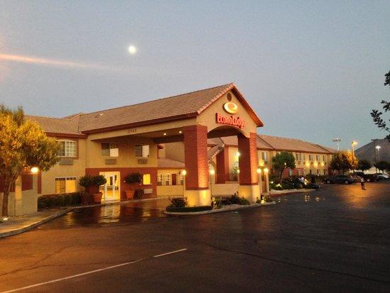 方塔納伊克諾飯店