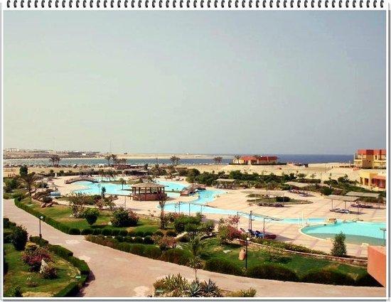 El Malikia Resort Abu Dabbab: Il panorama del villaggio