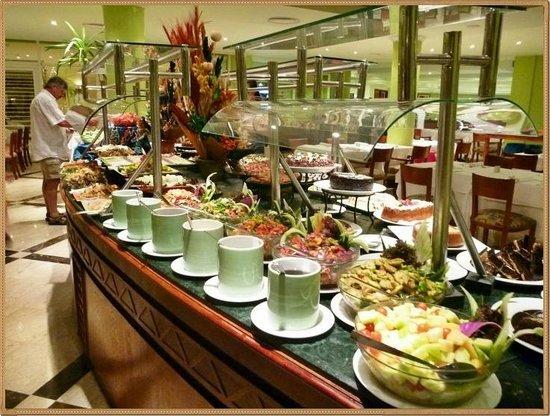 El Malikia Resort Abu Dabbab: Banco verdure