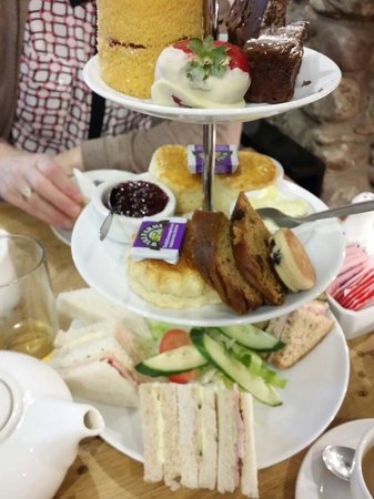 Jaspers Tea Rooms: Lovely dainty sandwiches and spongy,  soft cakes...great options for Coeliacs/Gluten-free folk t