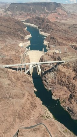 5 Star Grand Canyon Helicopter Tours: Boulder Dam